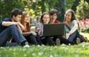 Segundo artículo de octubre: Estudiantes universitarios y tecnología